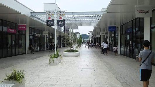 アウトレット 広島 通路